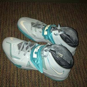 Lebron James Zoom Soldier 7 (light armory blue)